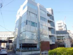 【オフィス紹介】白金台!前面緑地の2面採光の明るい空間!